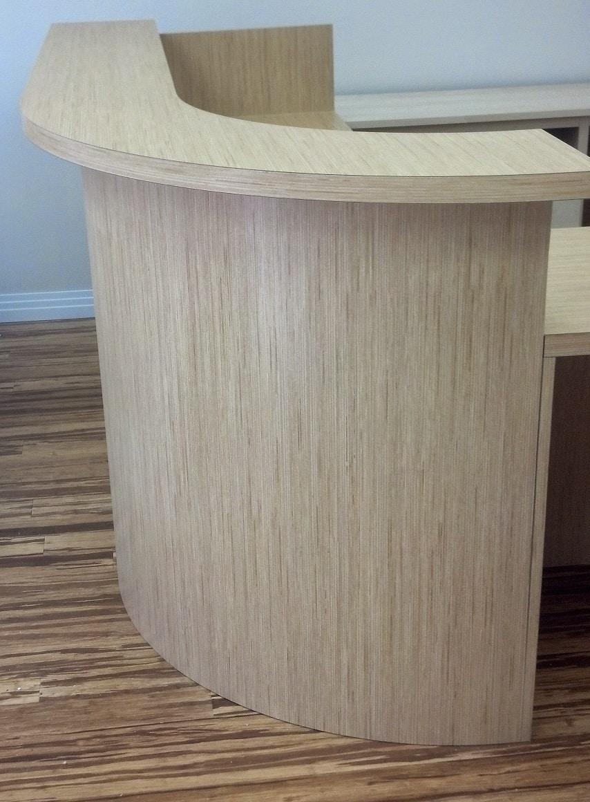 receptionbn desk
